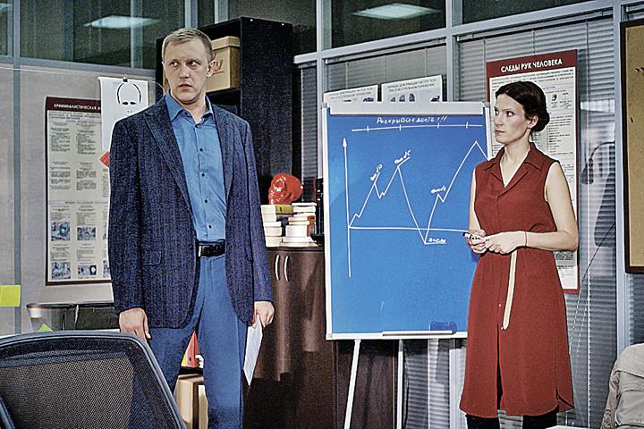 Опер Катаев (Сергей Горобченко) принял Жанну (Анна Слю) в штыки. Фото: Пресс-служба НТВ.