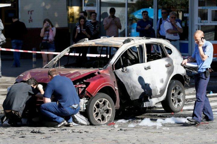 Взрывчатку под автомобиль Шеремета заложила женщина: вweb-сети интернет появилось видео