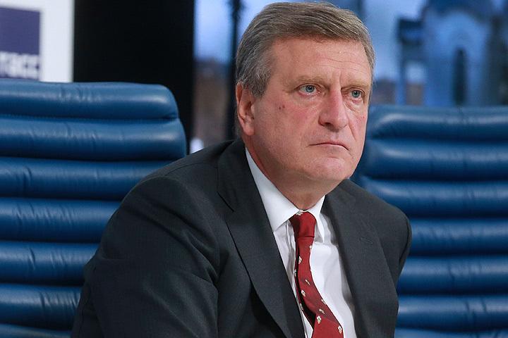 Врио губернатора Игорь Васильев побывал наместе пожара наОктябрьском проспекте