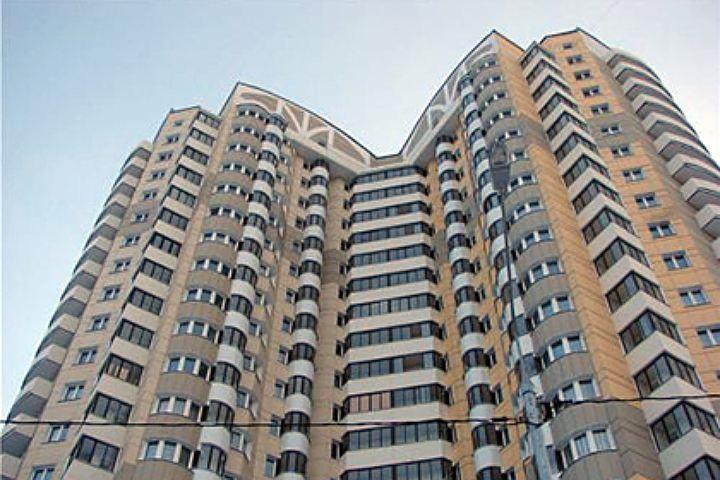 Разбившийся мужчина наулице Беринга выпал изокна собственной квартиры