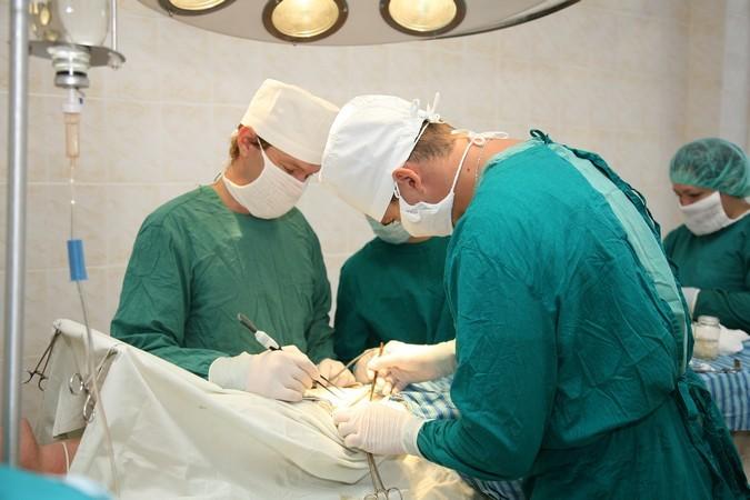 Кубанские мед. сотрудники избавили пациента отполуметровой опухоли