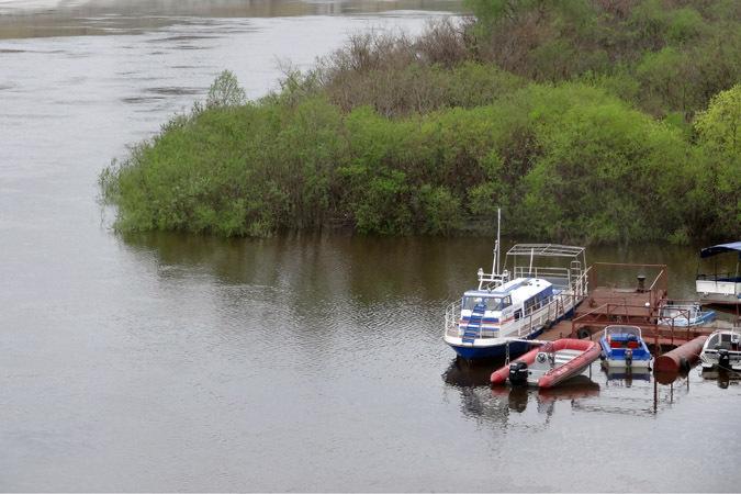 ВЮгре наОби столкнулись моторная лодка инеустановленное судно: двое погибших