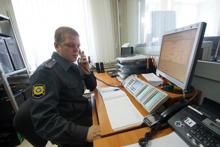 13-летняя девочка изТосно убежала кпарню вПетербург