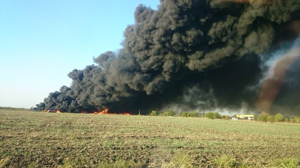 НаКубани загорелась свалка покрышек наплощади 7 тыс. кв. метров