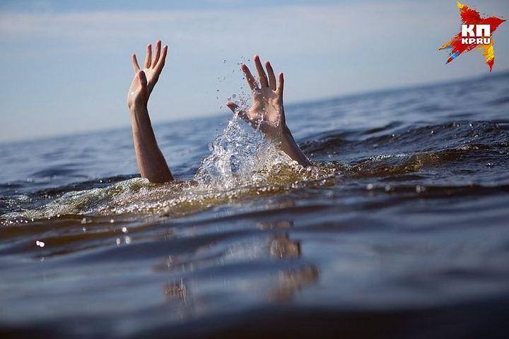 Мужское тело вспортивной одежде выловили из водоема вПетербурге
