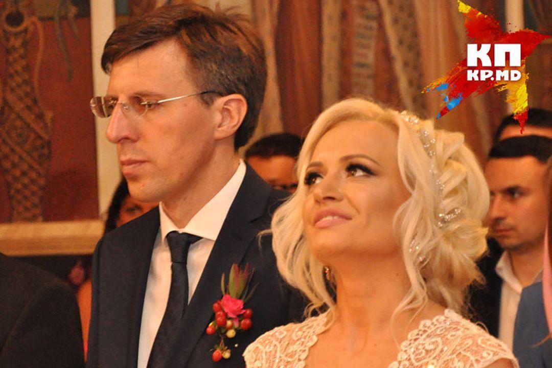 Мэр Кишинева Дорин Киртоакэ и журналистка Анишоара Логин сыграли свадьбу в мае