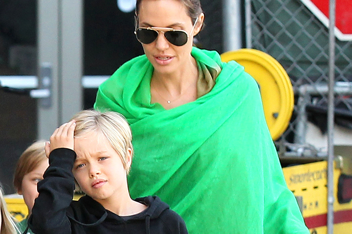 Дети Джоли и Питта с трудом переносят изоляцию и сеансы психотерапии.
