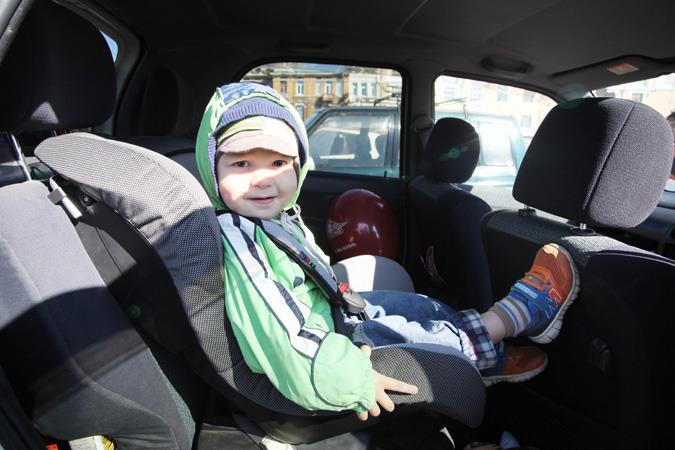 С1января вРФ поменяются правила транспортировки детей вавто