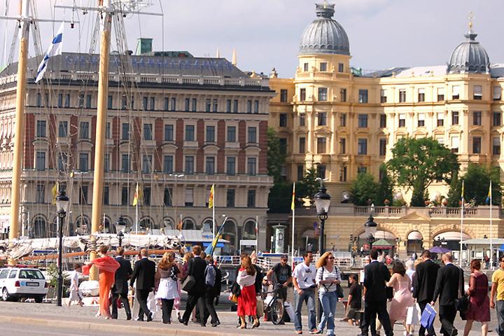 В Швеции миграционное ведомство затягивает процесс принятия решения о воссоединении семей.