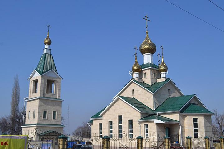 Храм Святого праведного Иоанна Кронштадтского в селе Манас.
