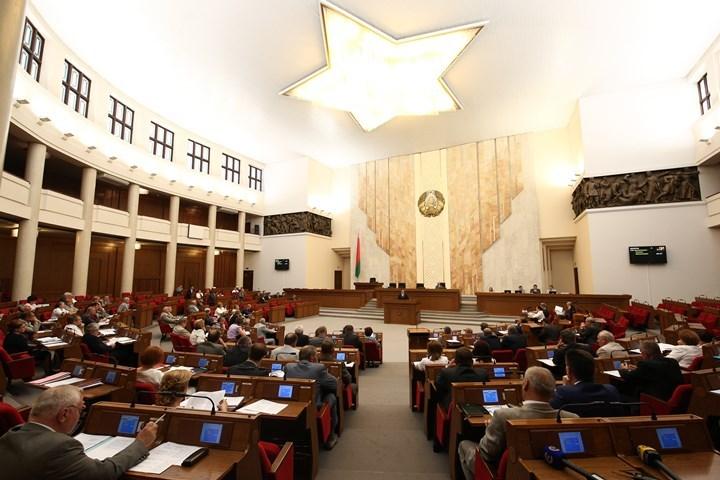 По словам депутата Анатолия Хищенко, комиссия по международным делам не проводила голосование