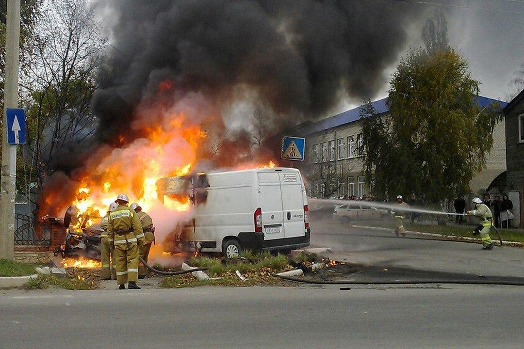 Человек умер после столкновения «Газели» с Фиат Ducato вУсманском районе