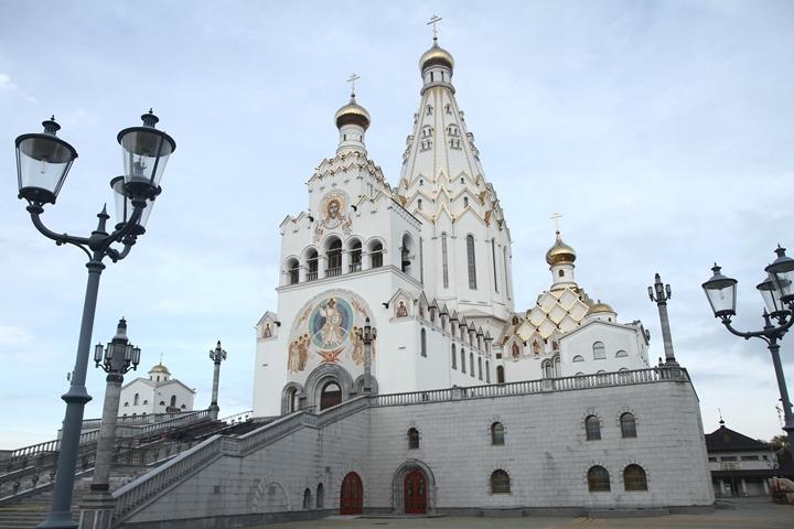После завершения строительных работ храм сможет принять одновременно до 2000 человек. Фото: Мария РОЛЬСКИТЕ