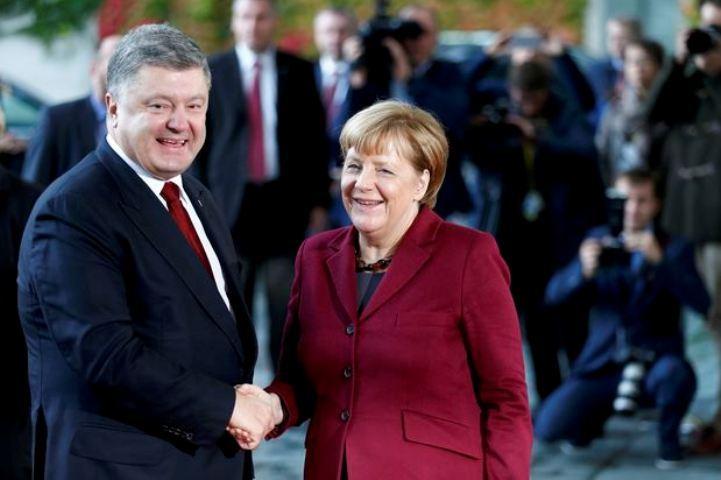 """Ангела Меркель с Петром Порошенко еще перед встречей """"нормандской четверки"""" в Берлине заявляли, что """"чуда"""" от нынешних переговоров не ожидают"""