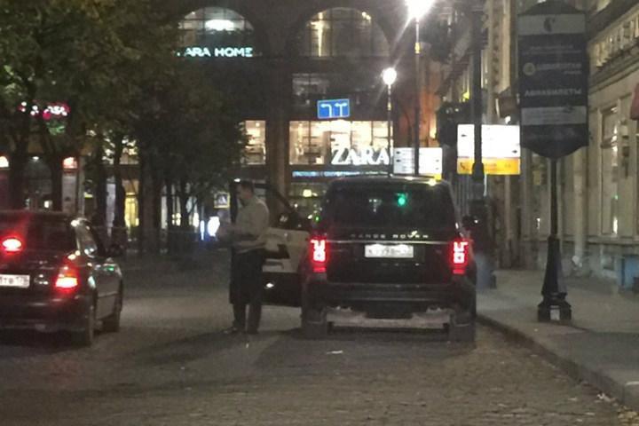 ВПетербурге нетрезвый гость стрип-бара наставил наохранников пистолет
