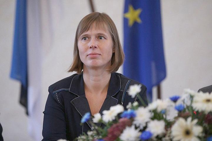 Президент Эстонии примерила насебя роль пугала «агрессивной Россией»