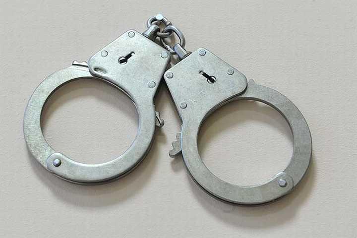 ВВолгоградской области депутат районной думы побил полицейского