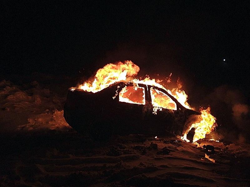 Еще одна машина сгорела ночью вЧереповце
