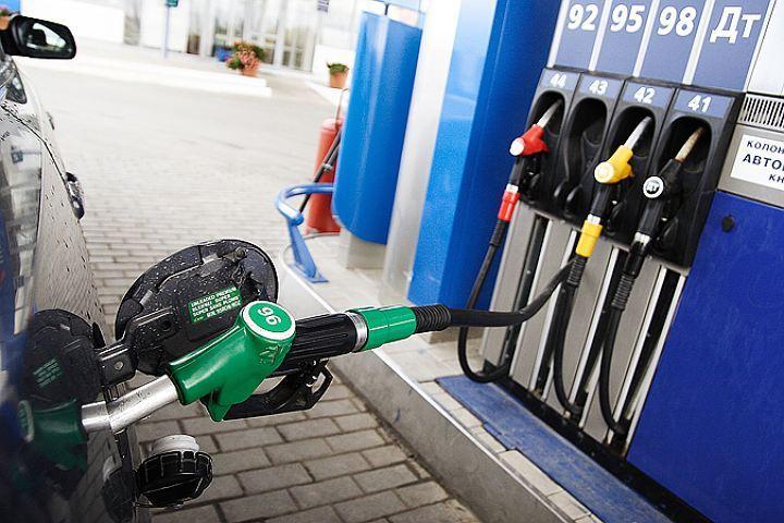 В Беларуси поднимут цены набензин из-за налогового маневраРФ
