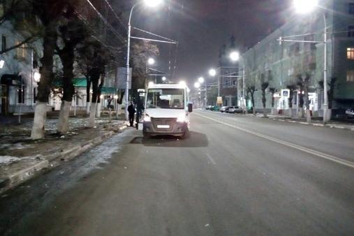 Наулице Циолковского маршрутка сбила 24-летнего рязанца