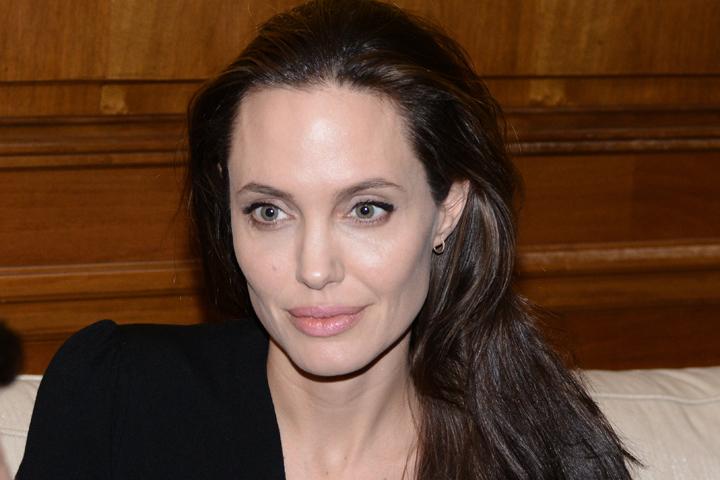 Анджелина недавно призналась, что снова готова начать роман с женщиной. Фото: Zuma\TASS