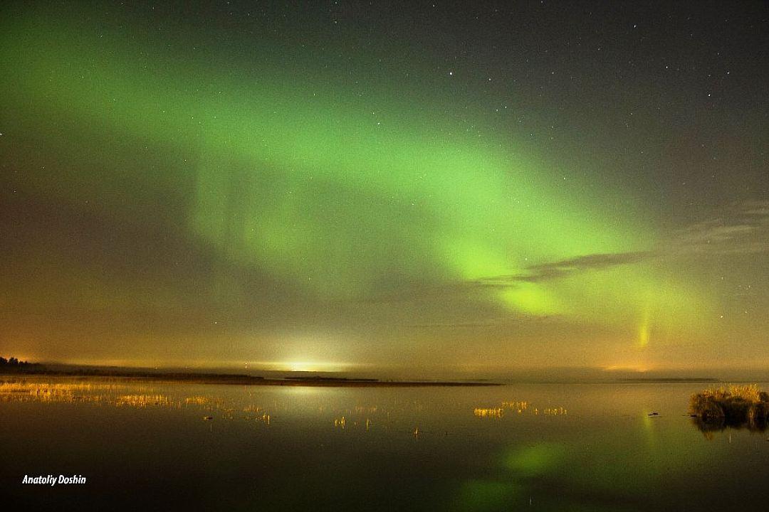 Таким было северное сияние над Петербургом почти год назад Фото: Анатолий ДОШИН