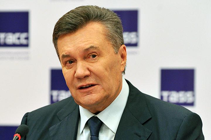 Луценко зачитал Януковичу обвинение вгосизмене