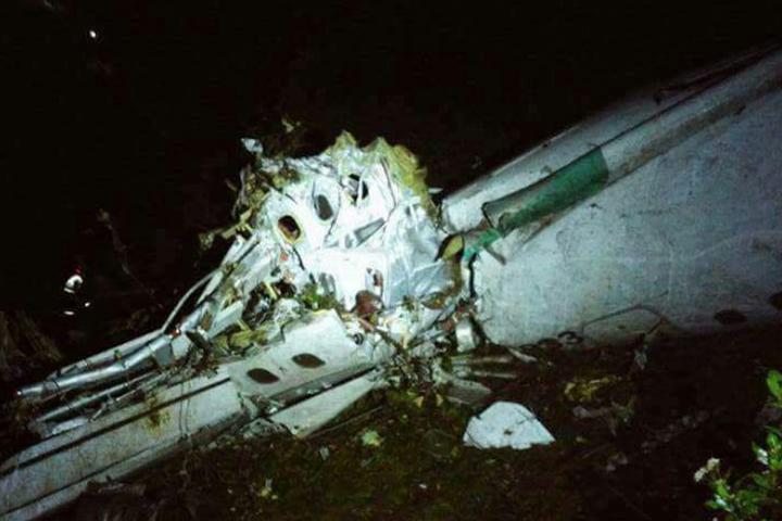 ВКолумбии разбился самолет сбразильскими футболистами