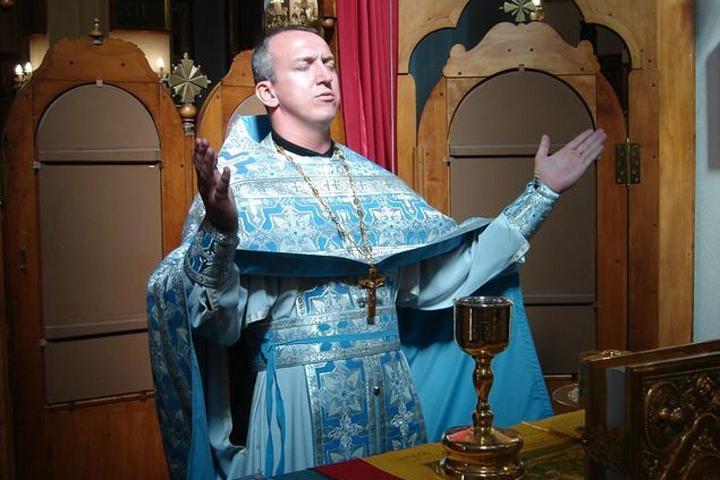 Подробности задержания священника Бурыкина: странная люстра, миллиарды рублей и угрозы, которые получает его дочь.