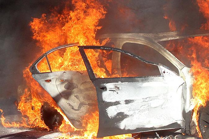 ВВолгограде заночь сожгли «ВАЗ» и«Lexus»