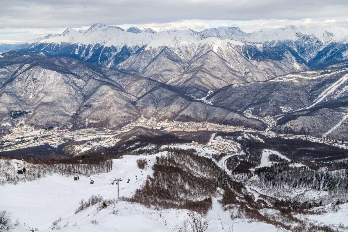 Вгорах Сочи открылись дороги для лыжников исноубордистов