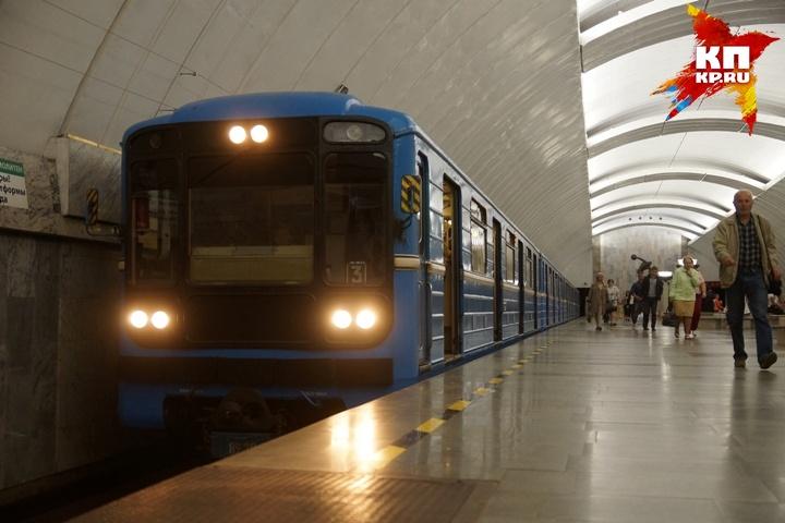 Екатеринбуржцам предлагают скинуться настроительство метро Сегодня в12:33