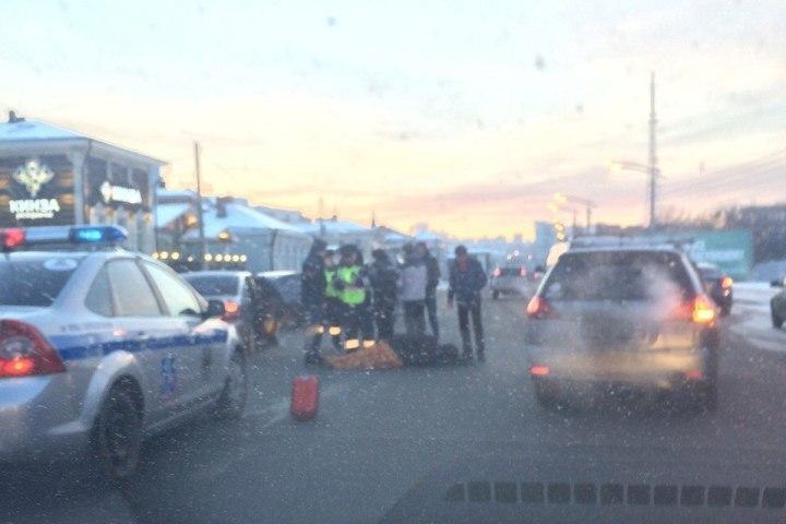 Шофёр иномарки сбил 2 человек напешеходном переходе вИркутске