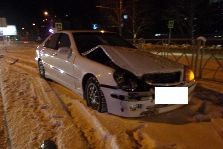 ДТП вСтаврополе: При столкновении 2-х иномарок пострадала девушка-пешеход
