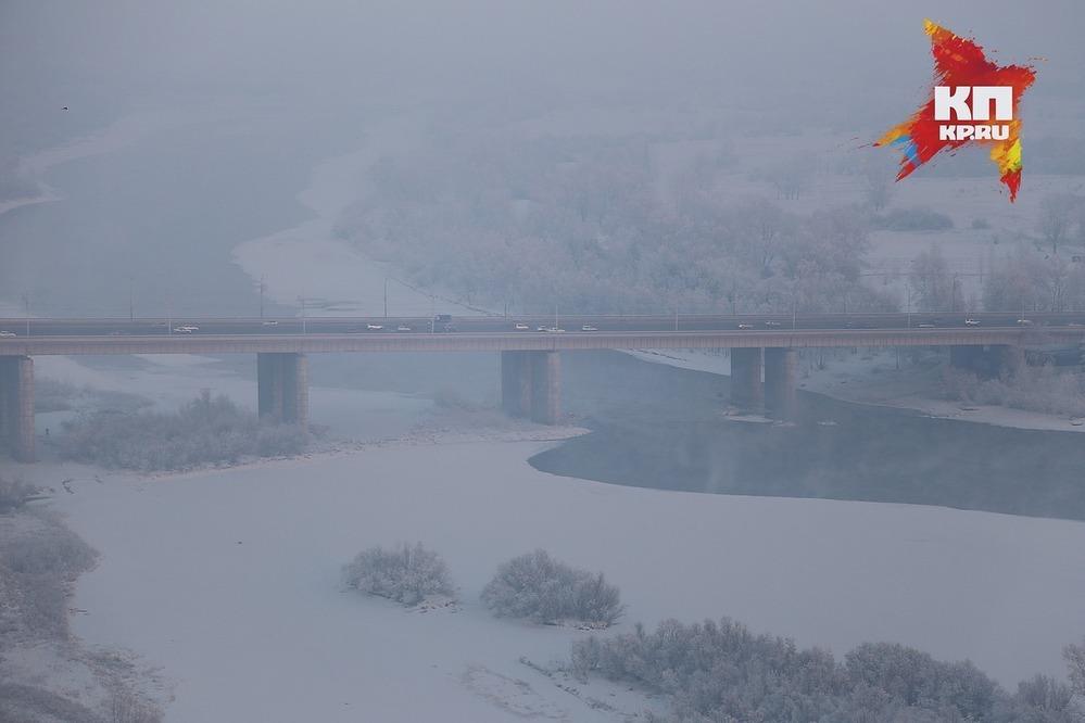 Свидетели говорили о падении человека сОктябрьского моста