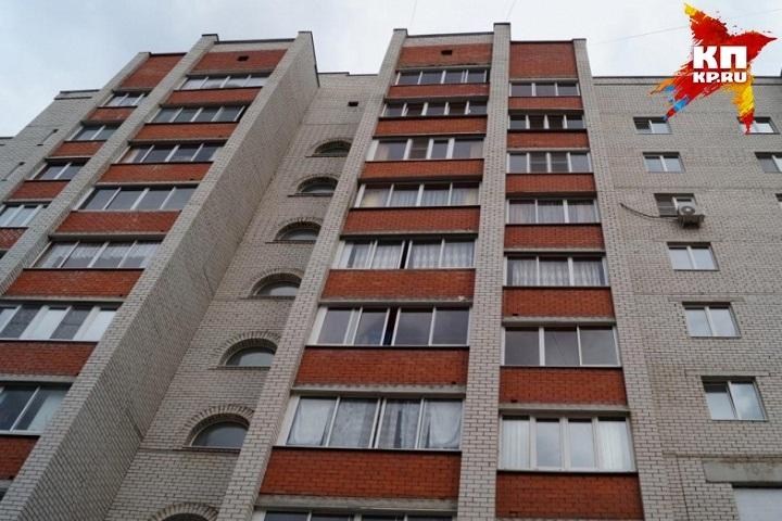 ВГродно ночью обвалился балкон намногоэтажном помещении