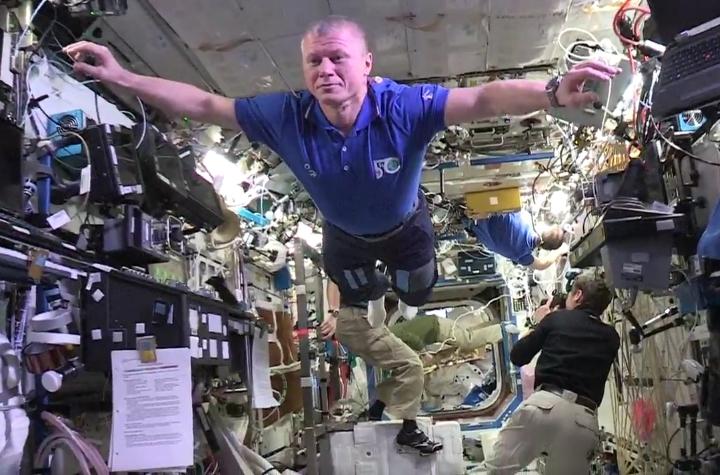Ролик, продолжительностью 24 секунды, дает возможность представить как работают космонавты
