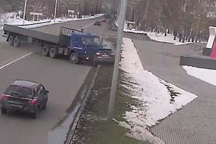 ВКузбассе будут судить водителя, протаранившего Ниссан устелы Новокузнецка
