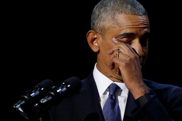Накануне Барак Обама, выступая перед американцами с последней в качестве президента США речью, от переполнявших его эмоций даже прослезился