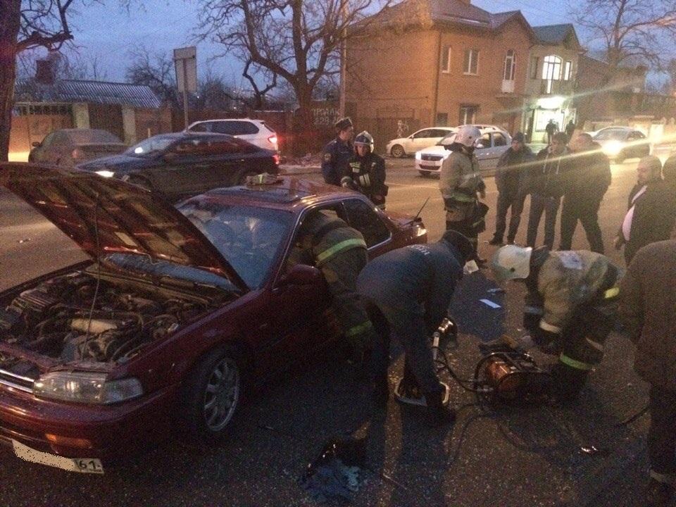 Два человека пострадали вДТП счетырьмя машинами вРостове