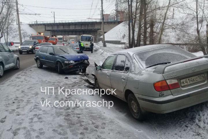В трагедии смаршруткой наКалинина пострадал автомобилист