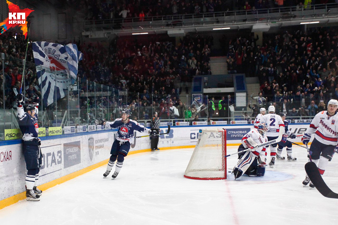 Нижегородское «Торпедо» обыграло питерский СКА вматче КХЛ