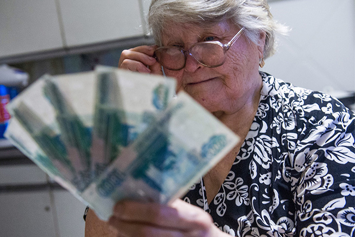 Цифра, на которую индексируют пенсии, берется не с потолка. Фото: Кирилл Кухмарь/ТАСС