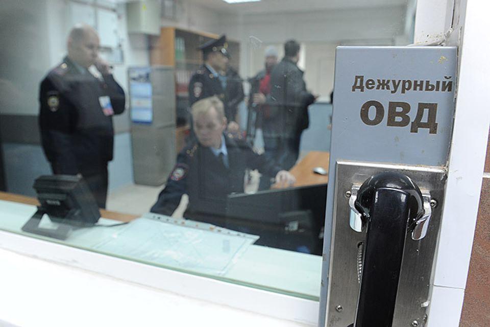Полицейских вПетербурге обвиняют ввымогательстве денежных средств уподозреваемого визнасиловании