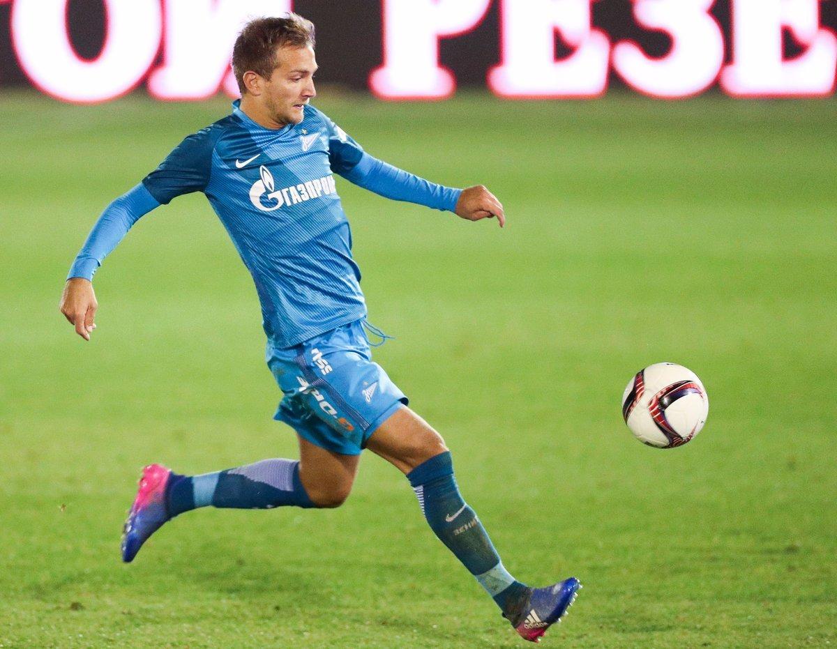 Защитник «Зенита» забил изцентра поля втоварищеском матче— стильный гол