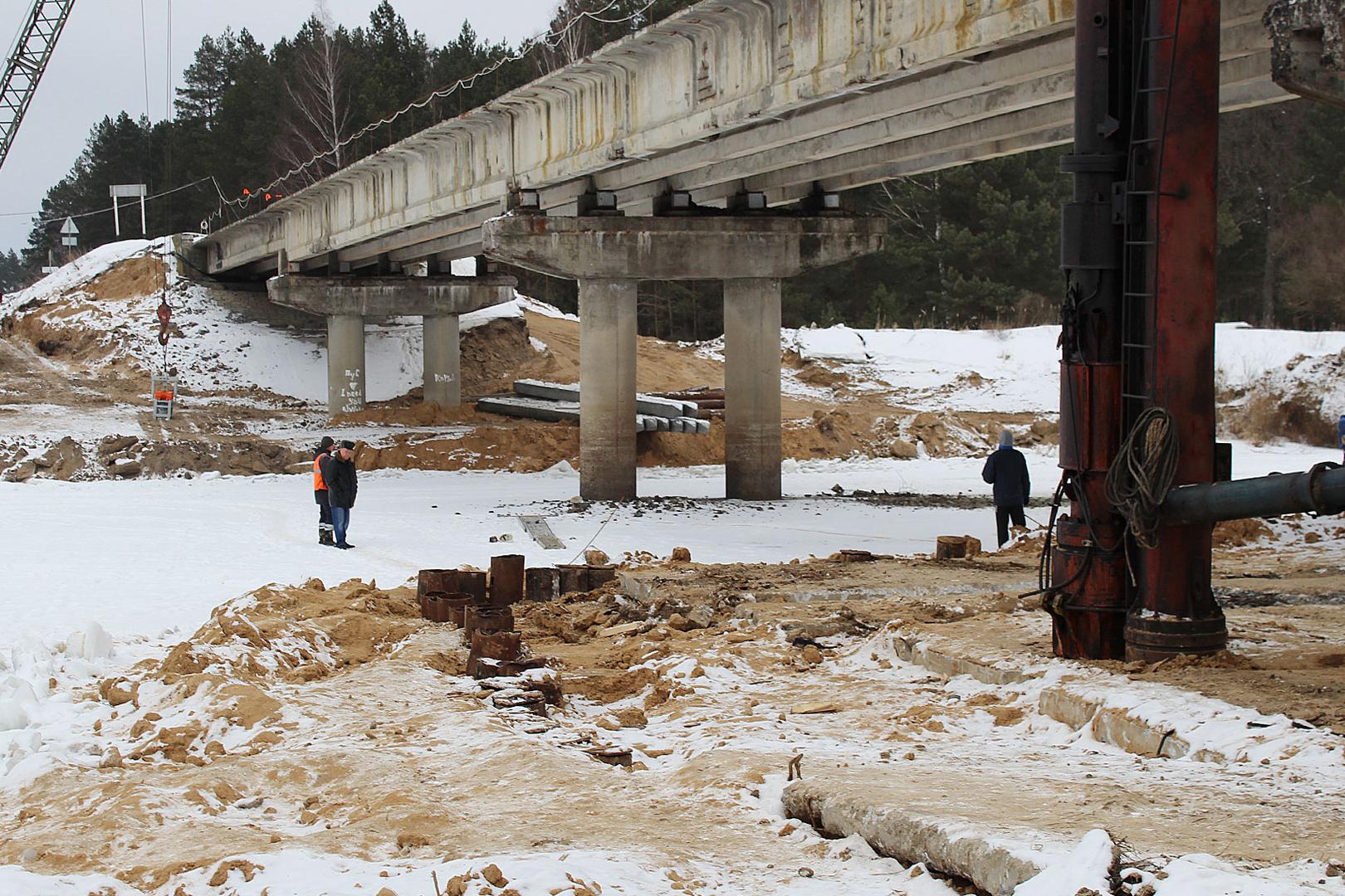ВЖуковском районе нановом мосту через Десну возводят опоры