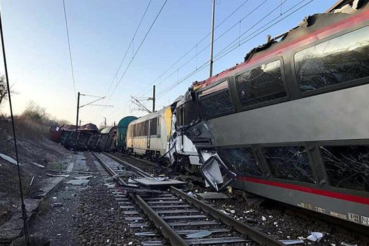 Пассажирский итоварный поезда столкнулись вЛюксембурге, есть пострадавшие