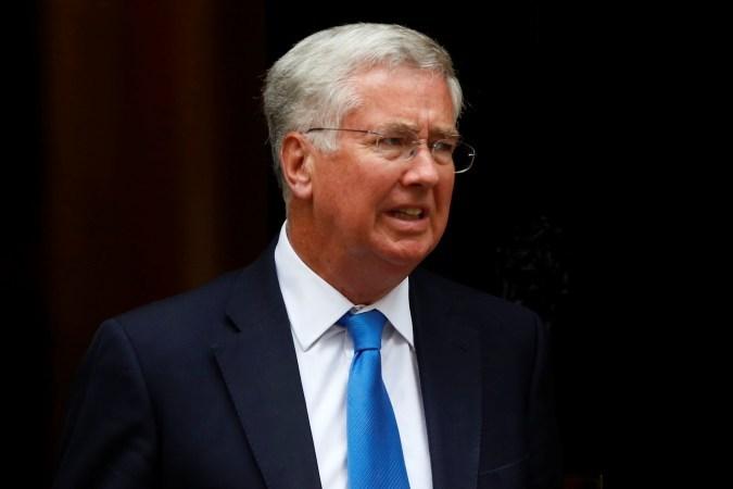 Министр обороны Англии вновь обвинил Российскую Федерацию впопытке дестабилизировать Запад