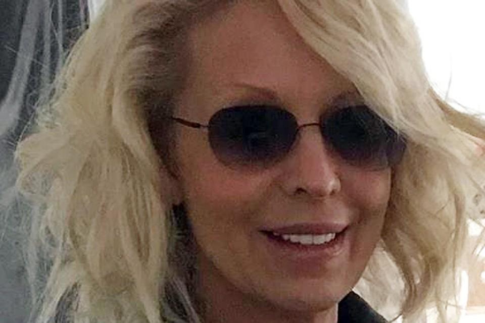 Смотреть Как сейчас выглядит 53-летняя Наталья Ветлицкая видео