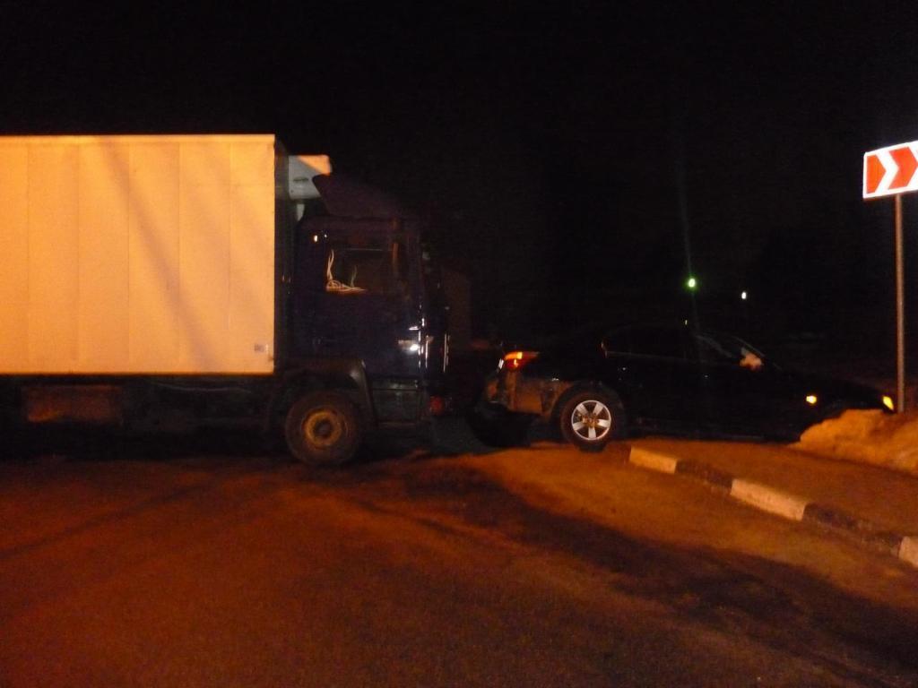 Грузовой автомобиль въехал в БМВ вБелгородском районе